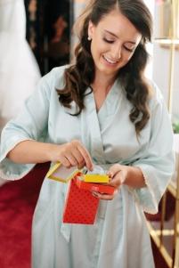 bride opens her mother's gift-1
