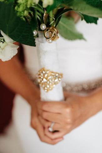 detail shot of the bride's bouquet-1