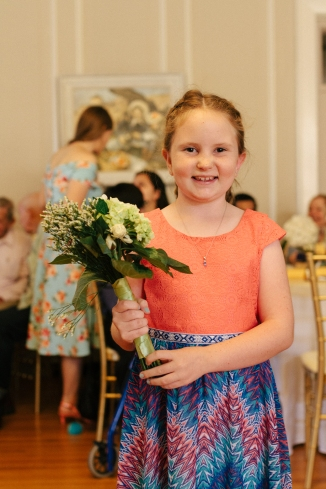 girl poses with the bouquet-1